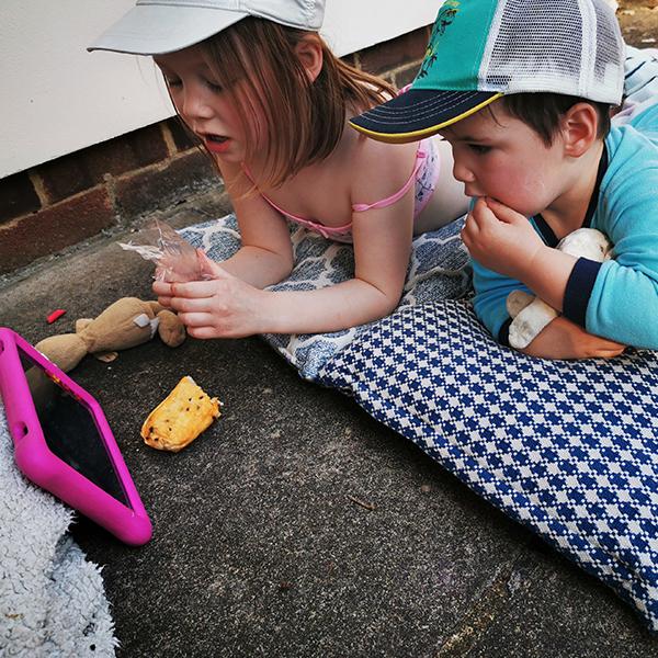 children watching ipad